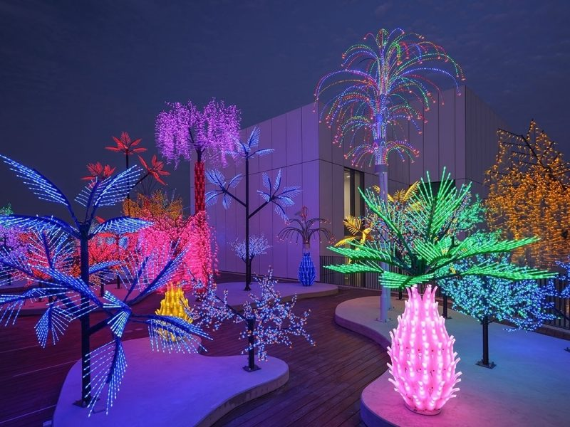 Alia Farid and Aseel AlYaqoub, Contrary Life: A Botanical Light Garden Devoted to Trees, 2018, Plastic, metal, light bulbs and electrical wire. Art Jameel Collection: Art Jameel Commission 2018. Photo by Mohamed Somji.